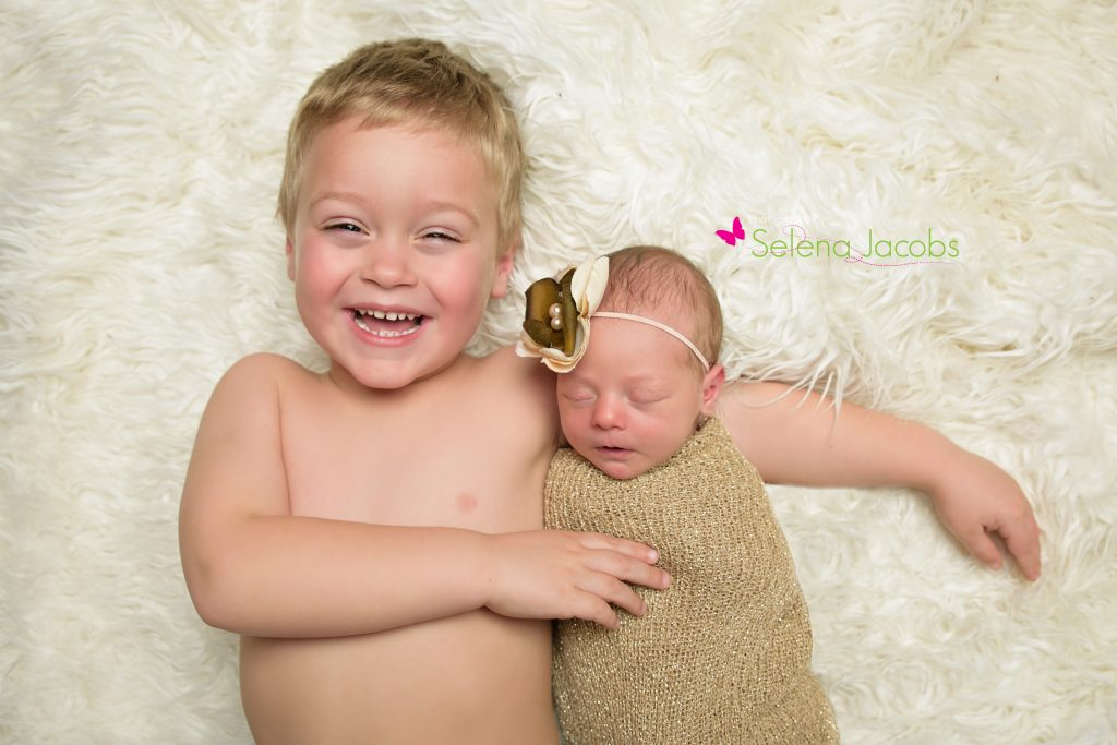 sibling newborn pictures photography portraits